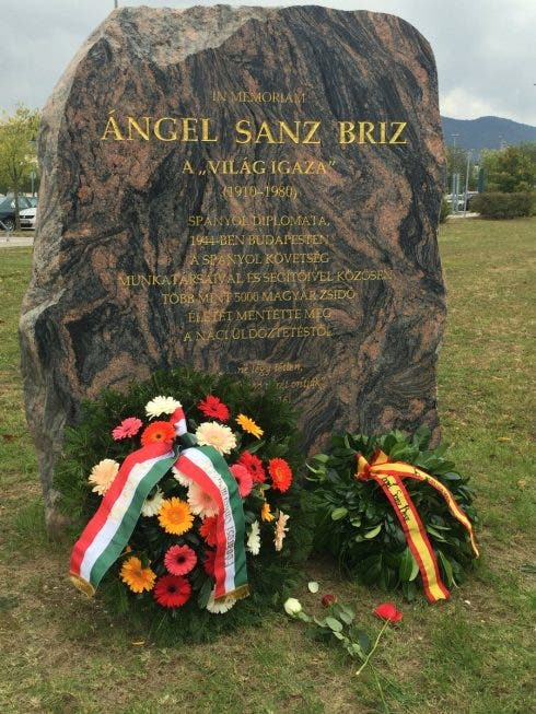 Budapest Memorial To Sanz Briz