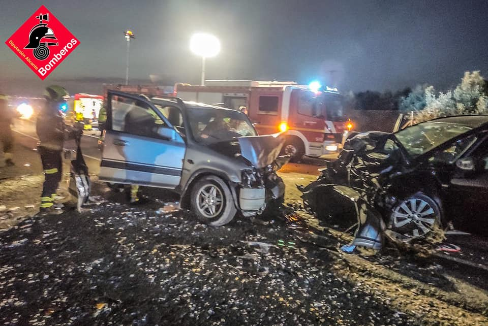 Twin girls seriously injured in 'head-on' car crash on the Costa Blanca in Spain
