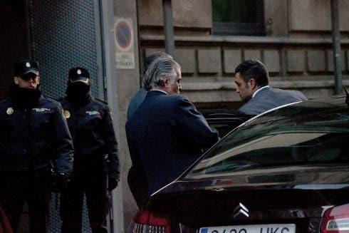 Former Pp Party Treasurer Luis Barcenas Testifies In Court